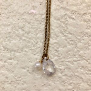 Jewelry - Crystal and pearl pendant gold necklace